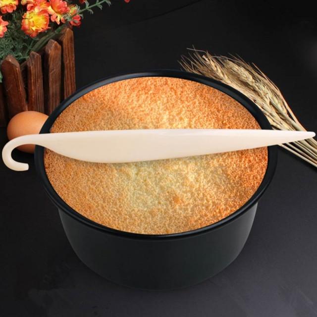 мягкий силиконовый нож для отделения коржа от формы